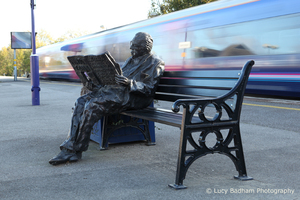 Statue to honour Sir Nicholas Winton, Maidenhead Station | Lucy Badham Photography